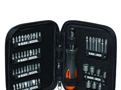 Kit de 56 piezas para atornillar Black & Decker A7104-XJ por 13,99 euros