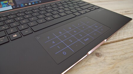 Asus Zenbook S Ux393 Review Analisis Espanol Xataka Detalle Touchpad Numerico