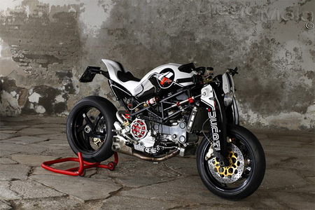 Ducati Monster S4R por Paolo Tesio