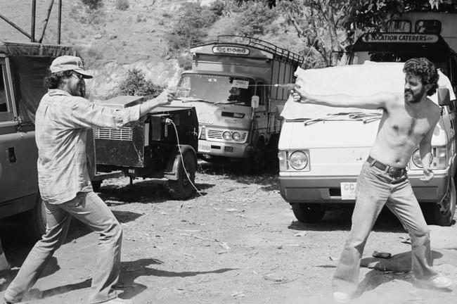 Steven Spielberg y George Lucas en un descanso del rodaje de Indiana Jones