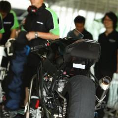 Foto 8 de 8 de la galería primeras-fotos-de-la-kawasaki-ninja-zx-10r-preparate en Motorpasion Moto