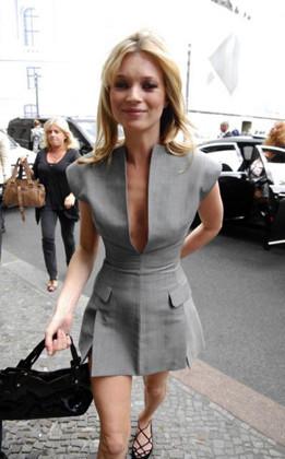 Kate Moss impecable en la presentación de su nueva fragancia