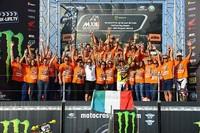 Clement Desalle y Glen Coldenhoff ganadores en Gran Bretaña. Antonio Cairoli Campeón del Mundo de MX1