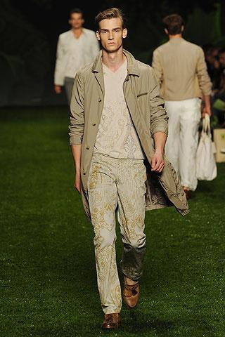 Foto de Etro, Primavera-Verano 2011 en la Semana de la Moda de Milán (5/10)