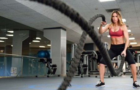 Battle ropes: pon a prueba todo tu cuerpo con estos 29 ejercicios