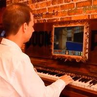 Hay gente jugando al Doom en pianos eléctricos, cajeros automáticos y cámaras de fotos