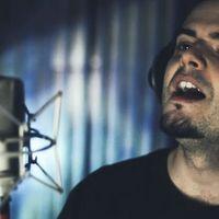 El equipo de César Muela: PC, micrófonos, auriculares y más