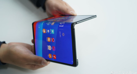 OPPO muestra su móvil plegable a lo Huawei Mate X, pero no se pondrá a la venta salvo que haya suficiente interés