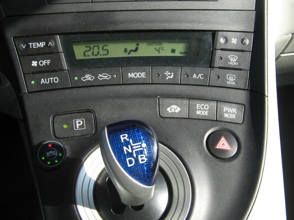 Foto de Toyota Prius (41/44)