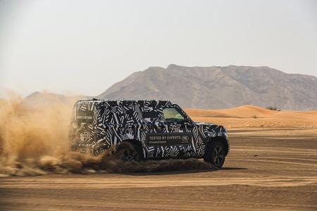 Land Rover Defender se enfrenta al calor de Dubai antes de su lanzamiento