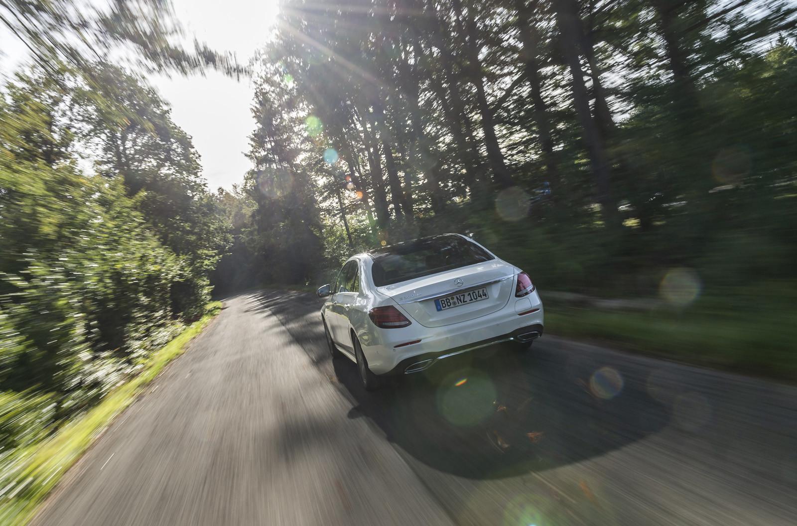 Foto de Mercedes-Benz E 300 de (presentación) (17/47)