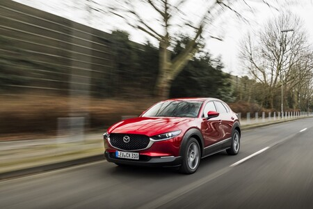 Mazda CX-30 frontal lateral