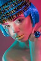 Weronika Witkowska interpreta a una moderna Nefertiti para Glow