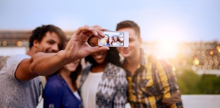Cómo Synology Moments mejora la gestión de fotos con inteligencia artificial
