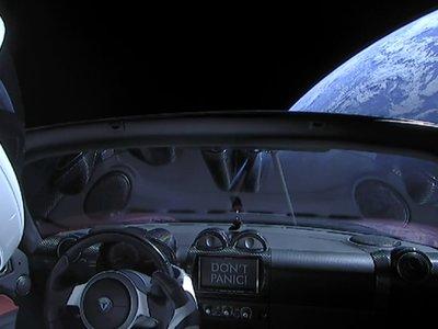 """Tesla espera generar ingresos de forma sostenida """"en algún momento de 2018"""""""