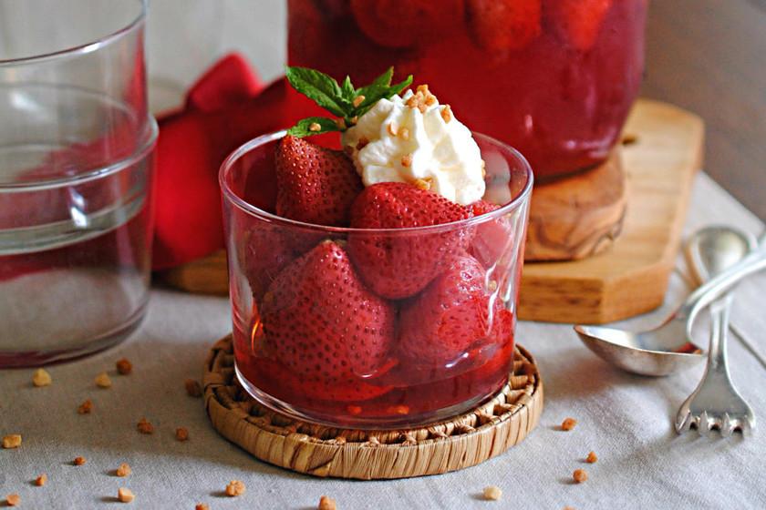 Cómo hacer fresas escabechadas al agua de azahar