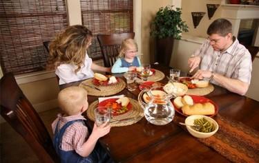 La hora de comer en familia
