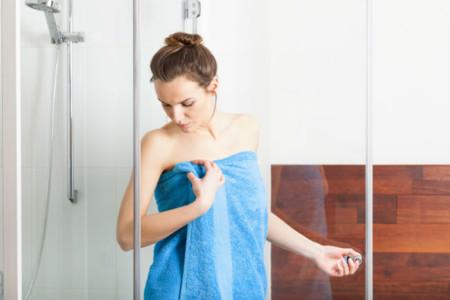 En verano solemos abusar de la ducha, algunos consejos al respecto