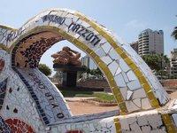 El Parque del Amor, en Lima: no apto para solitarios