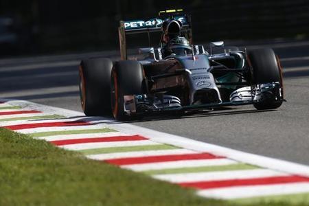 Nico Rosberg manda en los primeros entrenamientos libres de Rusia