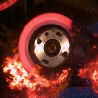 ¡Tú también puedes destruir los frenos de tu coche! Lo único que necesitas es seguir este vídeo paso a paso