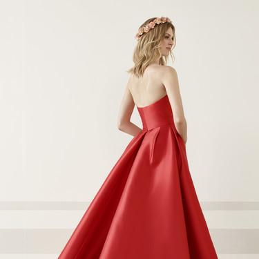 Los 51 vestidos de fiesta de Pronovias colección 2019 con los que ser una invitada de alfombra roja