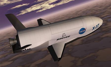 Es autónomo, es espacial y es secreto: el avión X37B bate récord propio en órbita tras más de 700 días