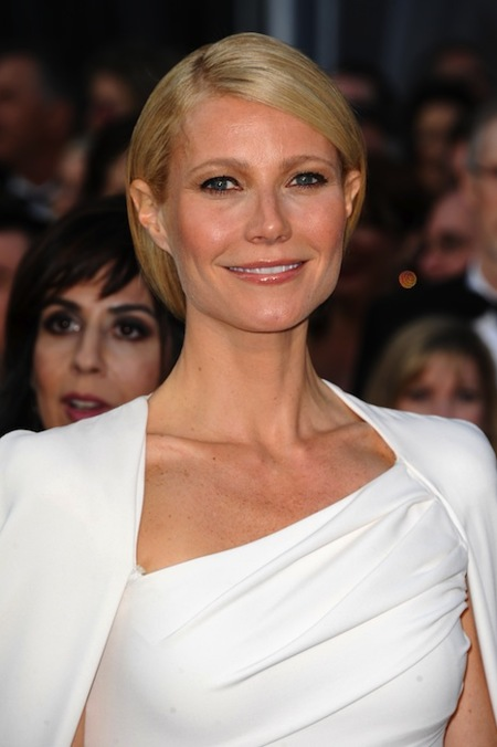 Las famosas mejor y peor vestidas de los Oscar 2012 para los lectores de Trendencias