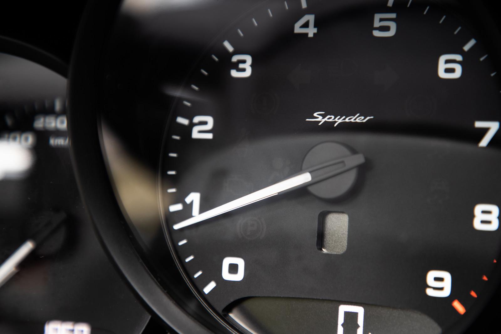 Foto de Porsche 718 Spyder (prueba contacto) (84/296)