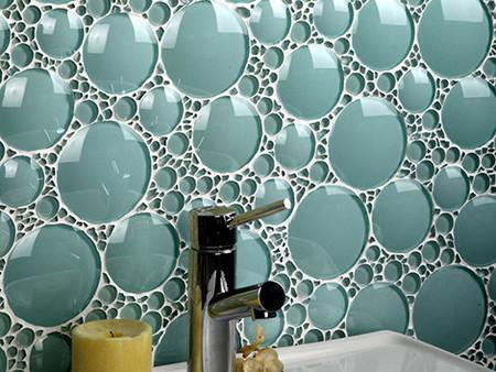 Revestimientos de vidrio para nuestros baños de Evit