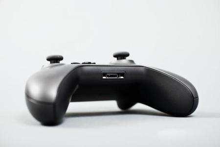 Así son el mando y los accesorios para la nueva Xbox One