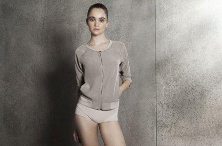 oysho_gymwear-collection-adidas-for-oysho-special-footwear-collection-10.jpg