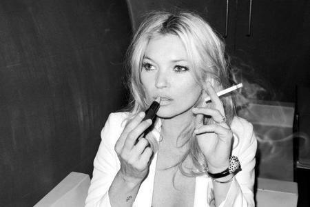 Kate Moss se nos despatarra y posa para Mango... <em>one more time</em>