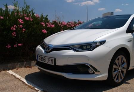 Toyota Auris 2015 Hibrido 09