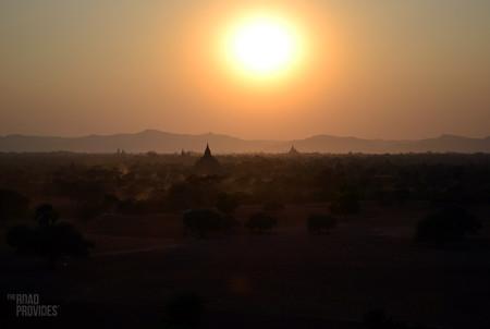 puesta de sol Bagan