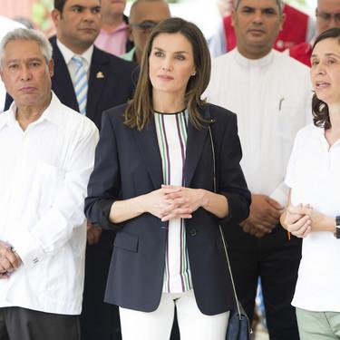 Doña Letizia Ortiz y su look que te inspirará en tu semana laboral