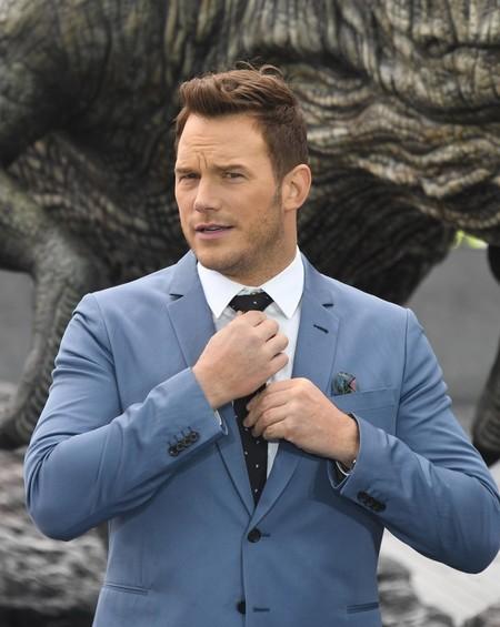 Chris Pratt Se Envuelve En Tonos Celestes Para El Photocall De Jurassic World En Londres 1
