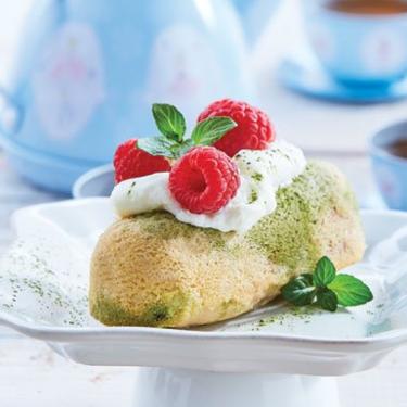 Panqué de yogur y té verde con frambuesas. Receta de la chef Paulina Abascal