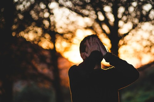 Ellos también sufren: cómo afecta a los papás la pérdida perinatal y qué podemos hacer para ayudarles