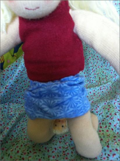Muñeca de trapo pariendo