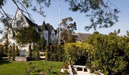 Casas de famosos: El castillo de Moby, el Rey del Techno, en las colinas de Hollywood