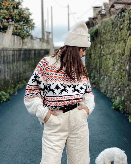Este es el jersey de H&M que triunfa en redes sociales y demuestra que los ugly sweaters pueden ser bonitos