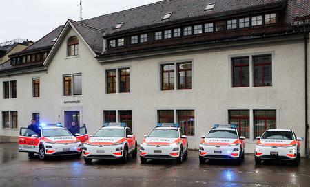 Los coches eléctricos y de hidrógeno de Hyundai se extienden por Europa como vehículos policía