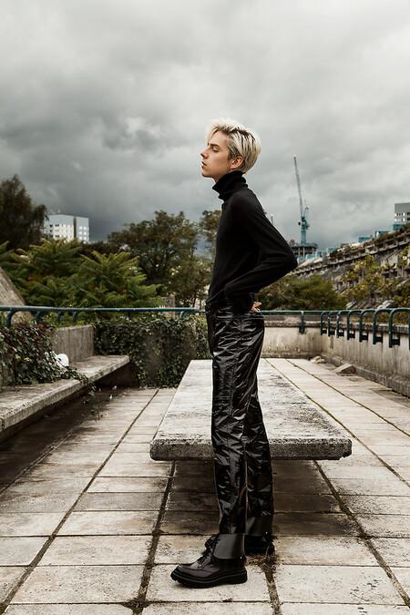 El Mejor Street Style De La Semana Sueter Cuello Alto Negro 07
