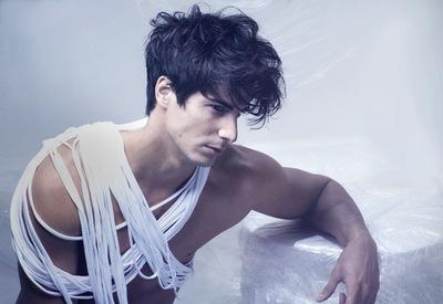 Cortes de pelo 2012: Raffel Pages nos transporta con sus peinados y sus volúmenes al séptimo cielo