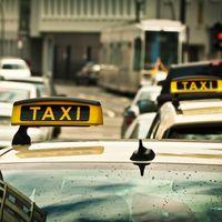 Detenido un taxista por el incendio de los nueve coches de Cabify en la Feria de Abril 2017