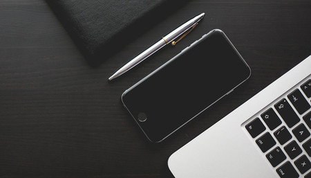 ¿Son los móviles cada vez más parecidos? La mitad de los estadounidenses no saben identificar su teléfono, según un estudio