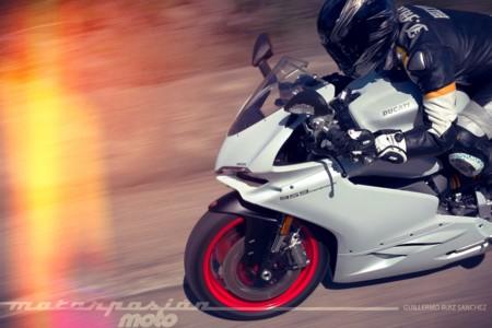 Adrenalina a espuertas con la Ducati 959 Panigale y el doblete de Jonathan Rea