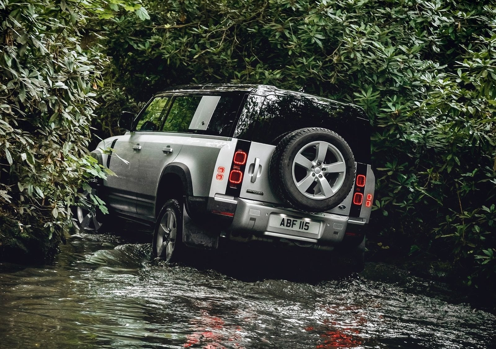 Foto de Land Rover Defender 2020 (40/60)