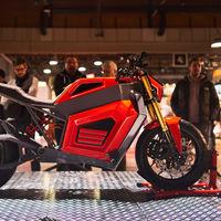 Esta moto eléctrica viene de Finlandia y con 320 Nm empuja casi el triple que una BMW S 1000 RR
